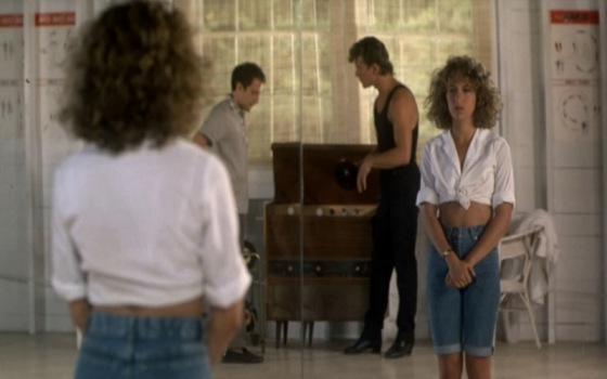 Dirty-Dancing_Jennifer-Grey_denim-jeans_tied-up-shirt.bmp