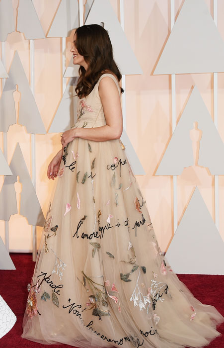 1424660785_keira-knightly-flashes-baby-bump-at-oscars-2015-2